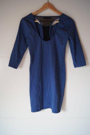 Sportliches blassblaues Retro Kleid