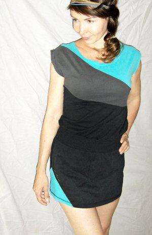sportliches, gestreiftes Minikleid in grau-schwarz-türkis