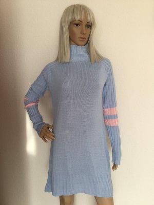 Abito maglione azzurro-rosa chiaro