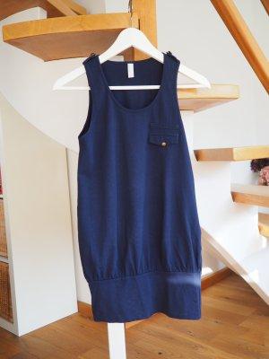 Sportliches Sommerkleid in dunkelblau