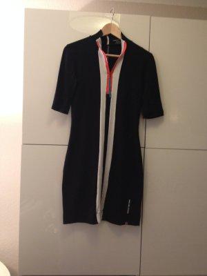 sportliches Sommerkleid von Marc Cain in Schwarz