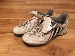 Sportschue von Adidas