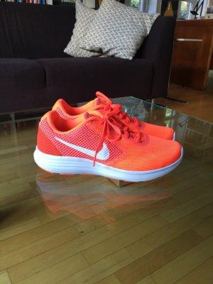 Sportschuh von Nike  in der Größe 39