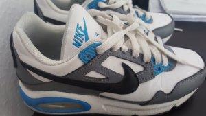 Sportschuhe Nike Sneaker Gr 35 wenig getragen