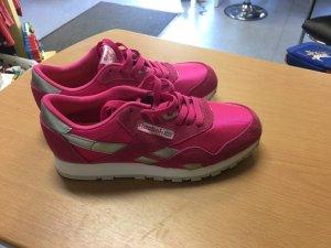 Sportschuhe pink von Reebok Gr 36, neu