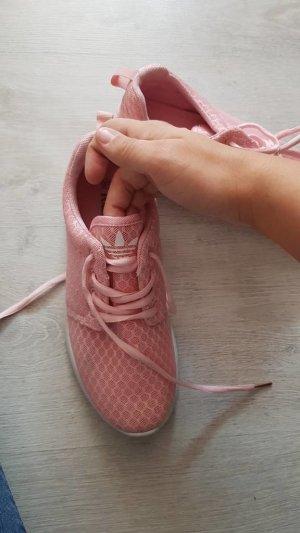 Sneaker stringata rosa