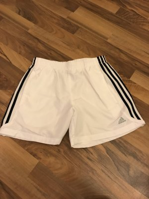 Sportshorts von Adidas