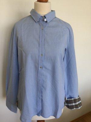 Sporttliche Bluse mit witzigen Details von Zara