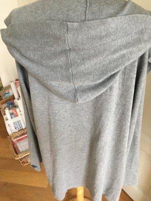 Veste en tricot gris