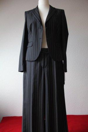 St. Emile Fans aufgepasst: Schwarzer Nadelstreifen Anzug