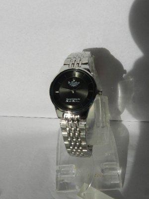 St. Leonhard Damen-Armbanduhr, 3 ATM  neu in OVP