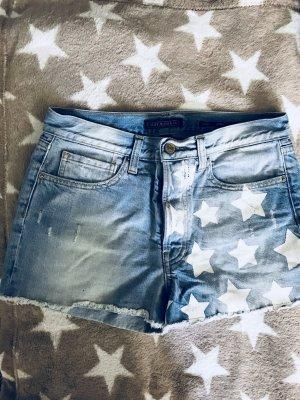 Staff Jeans Shorts // Model: Moira // Gr.26