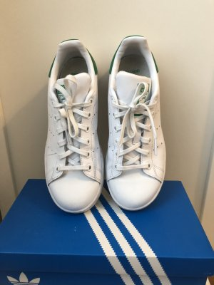 Adidas Originals Lace-Up Sneaker white leather