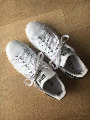 adidas stan smith Basket à lacet blanc-noir