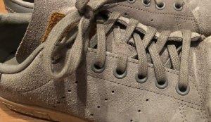 Adidas Basket à lacet gris anthracite