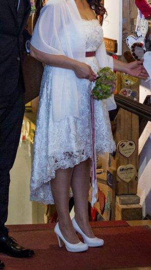 Standesamtkleid oder kurzes Brautkleid