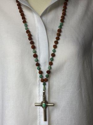 Statement-Boho-Kette mit schwerem silbernen Kreuz, Rudrakshasamen, Türkise, Mala