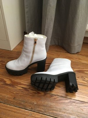 Platform Boots black-white synthetic material
