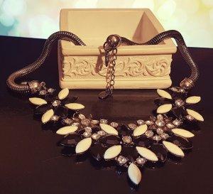 Statement dunkelsilber Schlangenkette, weiß schwarz silber Steine, Blogger, Zara