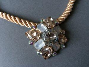 Statement Halskette mit Steinen
