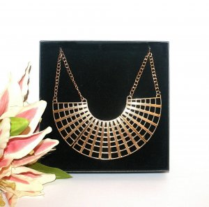 Statement Kette Gold Collier Edel Design Blogger Style