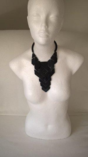 Collana nero Materiale sintetico