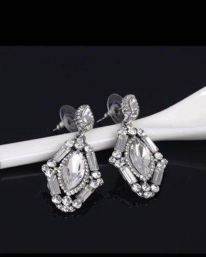 Statement Ohrringe in der Farbe Silber