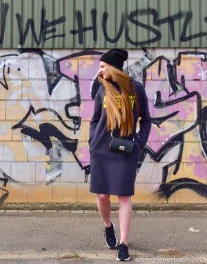 Statement Oversized Sweatshirt Dress Freizeitkleid Ausgefuchst handmade