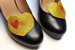 Statement Schmuck für Schuhe Schuhschmuck Herz Glitzer Goldfarben Rot Schuhclips Pumps Clips Schmuckset