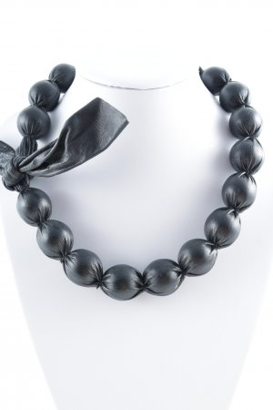 Statement Necklace black extravagant style