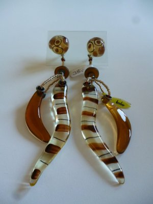 Statement Earrings brown synthetic material