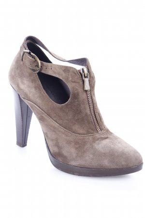 Stefanel Hochfront-Pumps graubraun Street-Fashion-Look