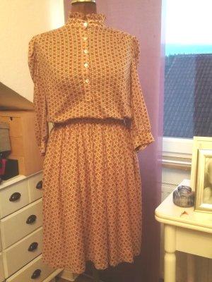 Stehkragen Kleid