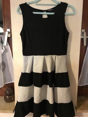 Steifen Kleid