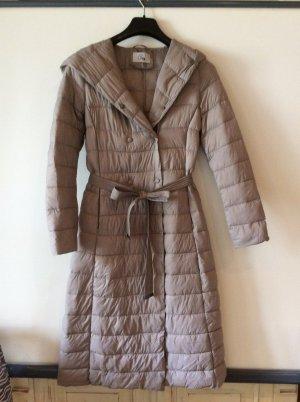 Abrigo acolchado marrón grisáceo