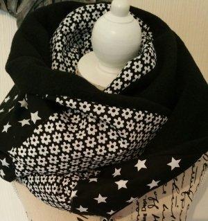 Sterneloop mit schwarzem Fleece