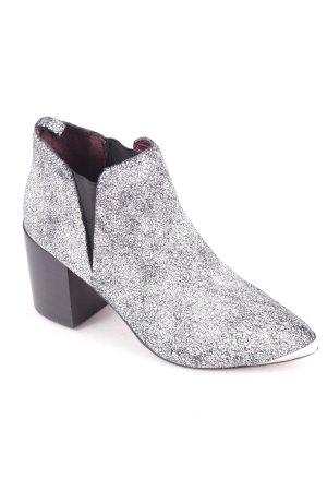 Steve Madden Booties schwarz-weiß Street-Fashion-Look
