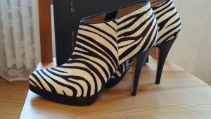 Steve Madden; High-Heels/-Pumps/-Stiefeletten Zebra NEU