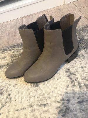 Steve Madden Korte laarzen grijs-bruin