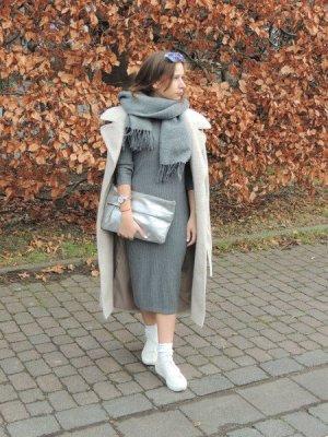 Stickkleid grau, Rippstrick von s.Oliver WIE NEU XS 34