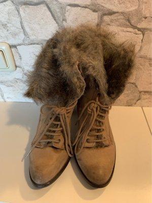 Zara Botas de piel camel