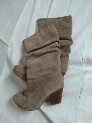 Stiefel aus Wildleder neuwertig !  ENGE Gr. 38!