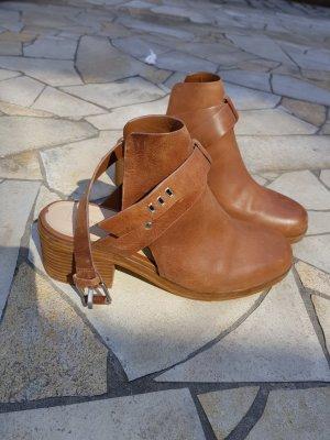 Bershka Ankle Boots cognac-coloured