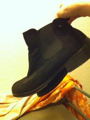 Chelsea Boots black fake fur