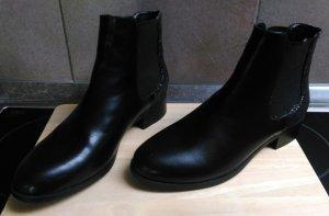 Stiefel Boots NEU schwarz Gr. 38