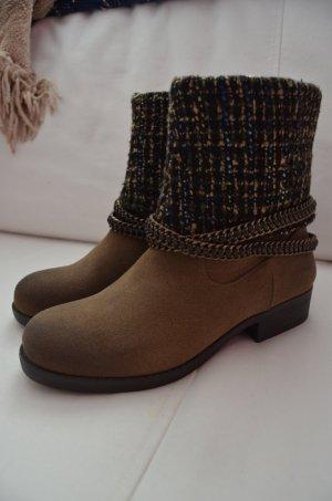 Stiefel / Boots / Stiefeletten