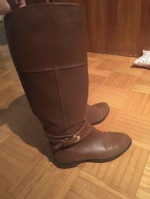 Botas estilo militar marrón
