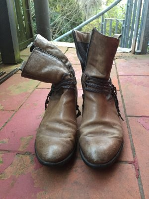 Western Boots grey brown