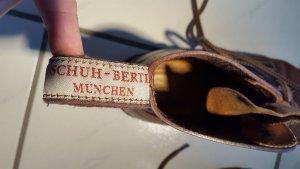 Stiefel der bekannten Manufaktur ****SCHUH-BERTL München****
