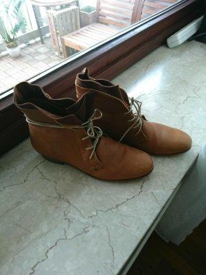 Stiefel für sonnige Herbsttage